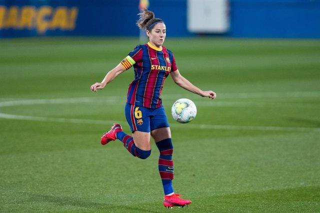 BARCELONA, SPAIN - DECEMBER 16; 6 Vicky Losada during the UEFA Women's Champions League against PSV at Johan Cruyff Stadium