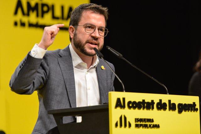 El vicepresident de la Generalitat i candidat d'ERC a las eleccions  catalanes, Pere Aragonès intervé durant un acte central de campanya electoral a Girona, Cataluña, 7 de febrer del 2021.