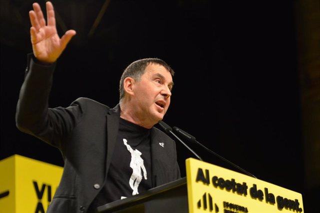 El líder d'EH Bildu, Arnaldo Otegi intervé en l'acte central de la campanya electoral d'ERC a Girona, Catalunya (Espanya), 7 de febrer del 2021.