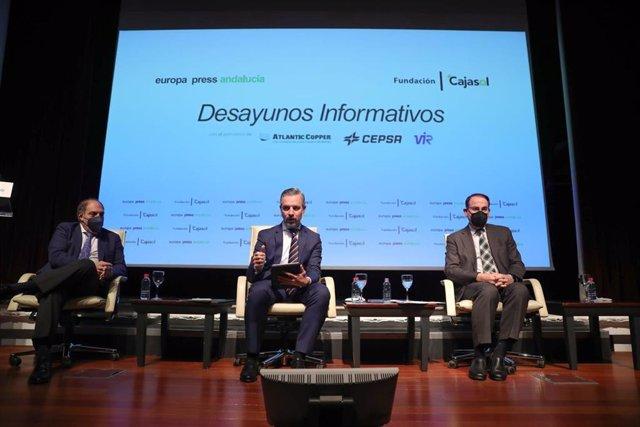 Lorenzo Amor, Juan Bravo y Javier Gonzalez de Lara en los desayunos de Europa Press.