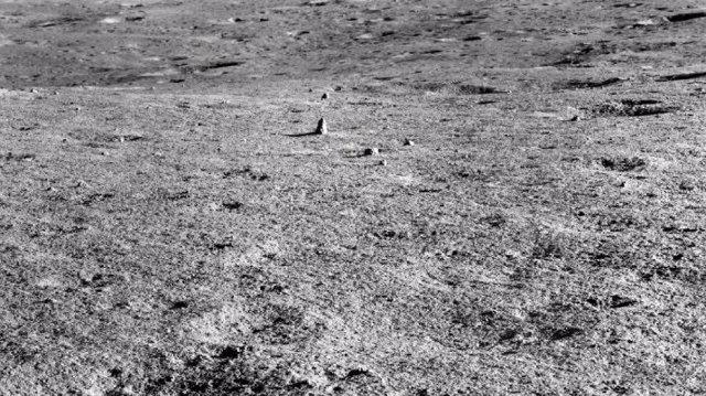 Imagen de la superficie lunar tomada por la misión Chang'e 4