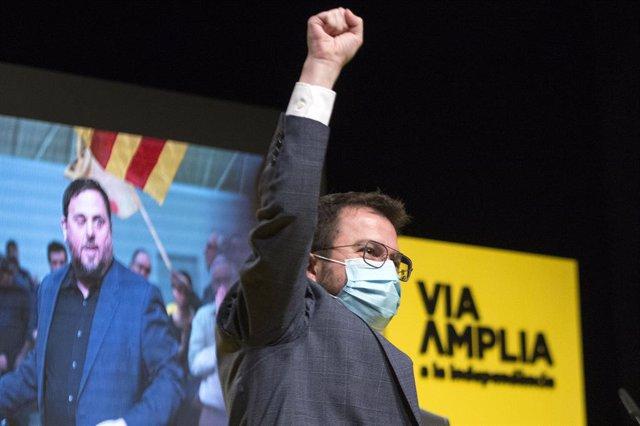 El vicepresident de la Generalitat i candidat d'ERC a les eleccions catalanes, Pere Aragonès, durant un acte central de campanya a Girona. Catalunya (Espanya), 7 de febrer del 2021.