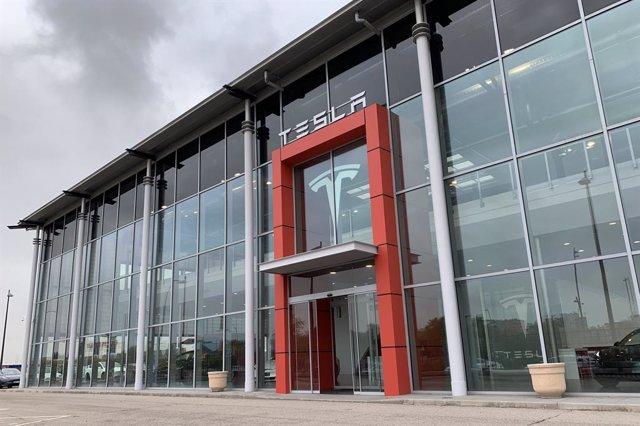 Nuevo centro de ventas de Tesla.