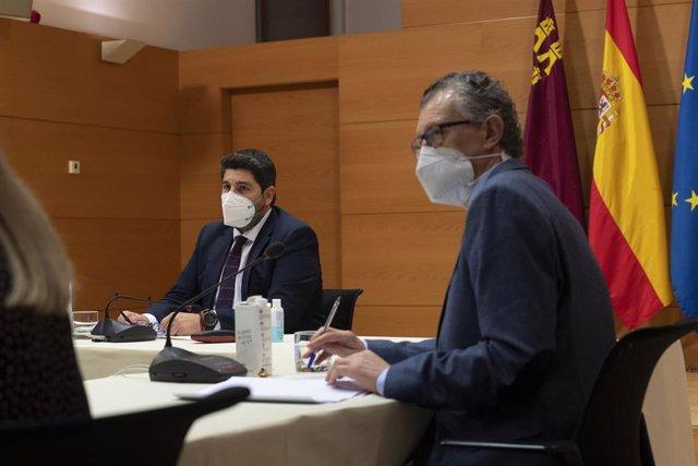 El presidente de la Comunidad y el consejero de Salud en la reunión del Comité de Seguimiento Covid