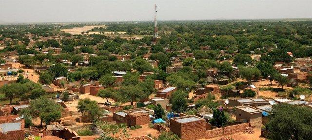 Vista panorámica de la ciudad de El Geneina, la capital de Darfur Occidental, Sudán.