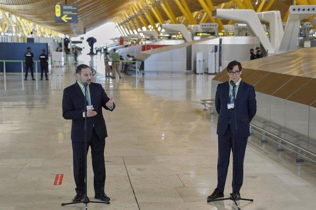 El ministre de Transports, Mobilitat i Agenda Urbana, José Luis Ábalos, i l'exministre de Sanitat, Salvador Illa, el mes de juny del 2020.