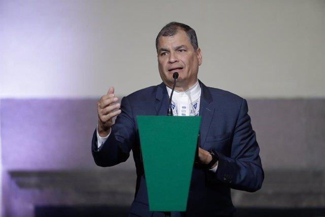 Rafael Correa ofrece una conferencia en Ciudad de México