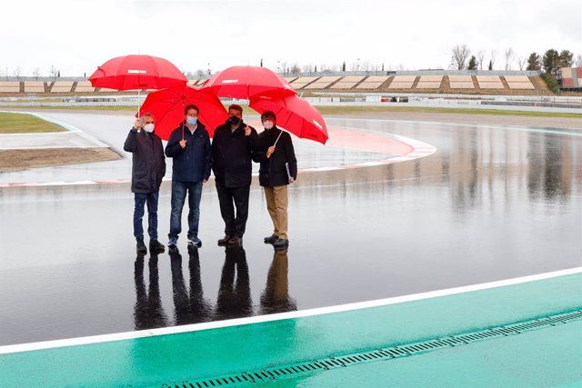 Visita de los representantes de FIM y FIA a las obras de la nueva variante de la curva 10 del Circuit de Barcelona-Catalunya