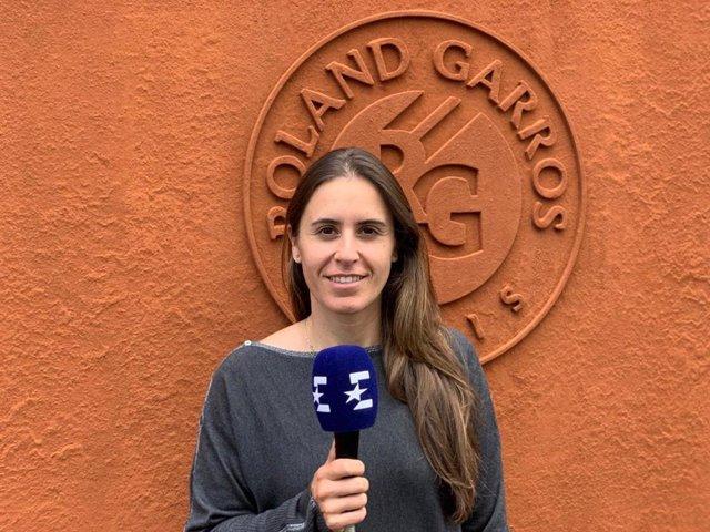 Anabel Medina, capitana del equipo español de Coopa Federación, en Roland Garros como analista de Eurosport