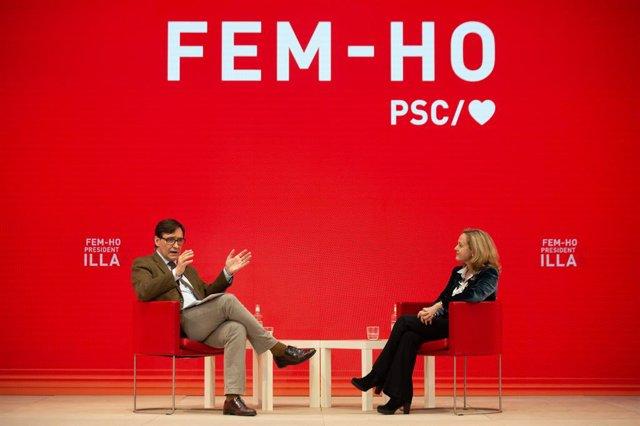 El candidat del PSC a les eleccions catalanes, Salvador Illa, i la vicepresidenta tercera i ministra d'Assumptes Econòmics i Transformació Digital, Nadia Calviño, durant una trobada telemàtica en el marc de la campanya electoral.