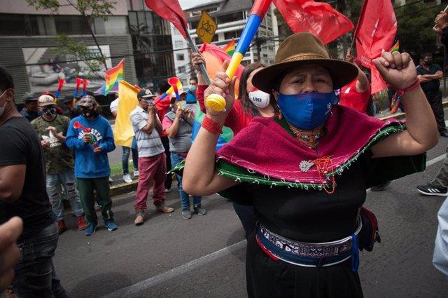 Partidarios del candidato indigenista Yaku Pérez.