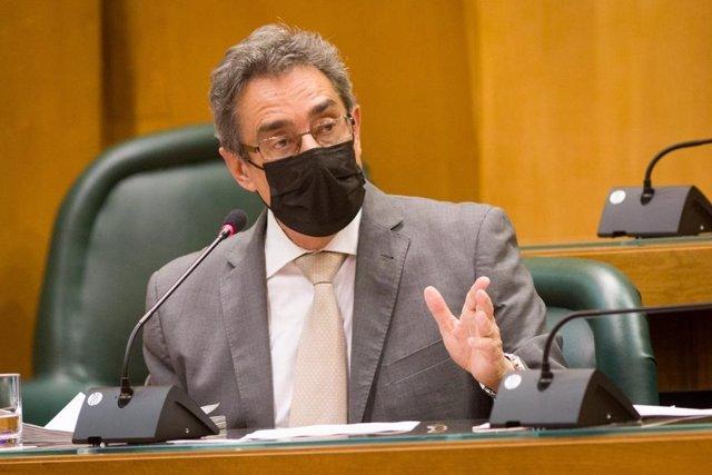 El portavoz del grupo municipal de Vox en el Ayuntamiento de Zaragoza, Julio Calvo