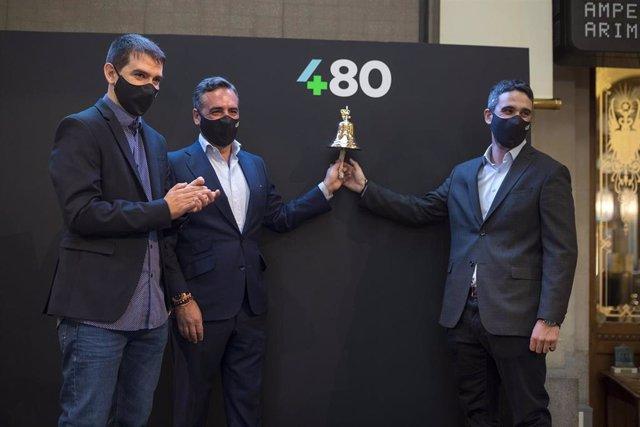 Sergio Aguado, Vicente Montesinos y Alfredo R. Cebrián, directivos de Cuatroochenta en su debut en el BME Growth.