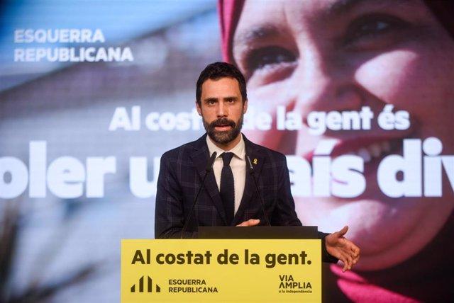 El presidente del Parlament y número tres de ERC a las elecciones catalanas, Roger Torrent, en un acto de campaña telemático.