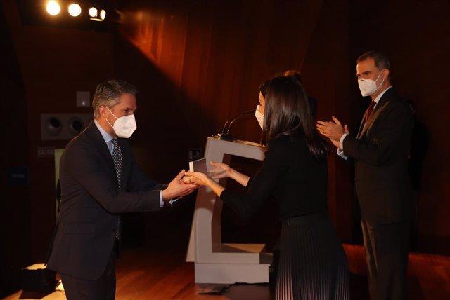Los Reyes presiden el acto de entrega de los Premios APM de Periodismo de los años 2019 y 2020