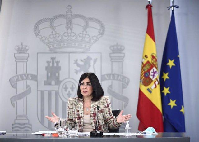 La ministra de Sanidad, Carolina Darias, interviene durante una rueda de prensa posterior al Consejo de Ministros en Moncloa, Madrid (España), a 9 de febrero de 2021. La comparecencia se produce tras una reunión donde el Consejo de Ministros ha aprobado,