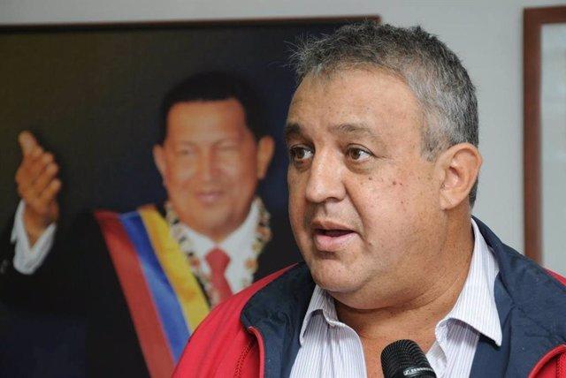"""El exministro de Petróleo de Venezuela Eulogio Del Pino, detenido este jueves en el marco de una operación contra la corrupción en la petrolera estatal (PDVSA), ha publicado un vídeo grabado antes de su arresto en el que dice sentirse """"víctima"""" de un """""""