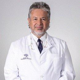 El neurocirujano Mario Alonso Vanegas.