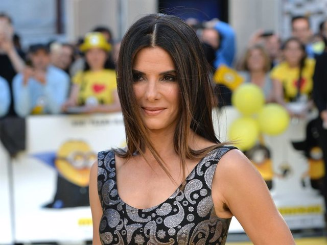 """Sandra Bullock attends the World Premiere of """"Minions"""" at Odeon Leicester Square on June 11, 2015 in London, England."""