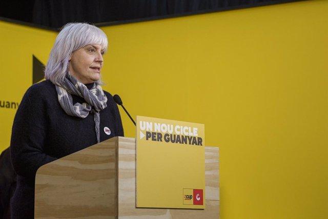 La candidata de la CUP a les eleccions, Dolors Sabater, en una roda de premsa