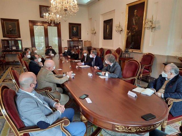 Reunión de Carmona con CHG, arroceros y regantes