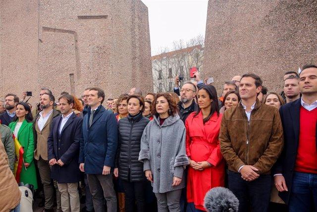 Pablo Casado, Albert Rivera i Santiago Abascal en la concentració a la plaça de Colón (Madrid) amb el lema 'Per una Espanya unida'