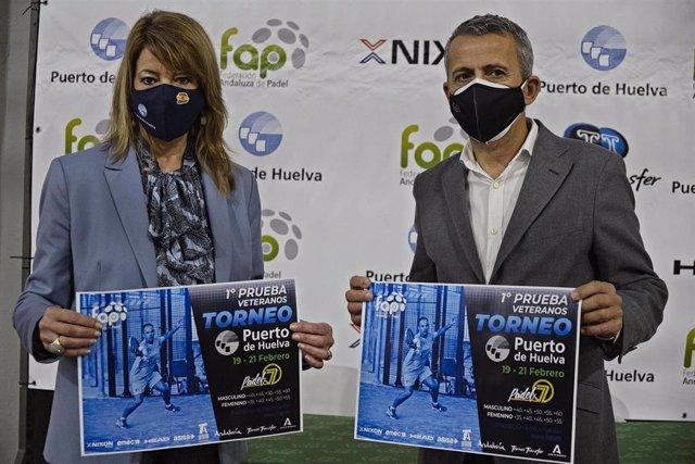 Firma del acuerdo entre el Puerto de Huelva y la Federación Andaluza de Pádel.
