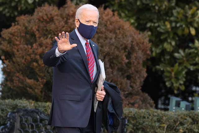 El presidente de Estados Unidos, Joe Biden, antes de subir al Air Force One este viernes.