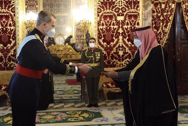 El Rey Felipe VI recibe las cartas credenciales del nuevo embajador de Arabia Saudí en Madrid