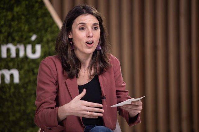 La ministra de Igualdad, Irene Montero, durante el acto de En Comú Podem 'El cambio feminista que Cataluña merece', en Barcelona, Catalunya (España), a 5 de febrero de 2021.