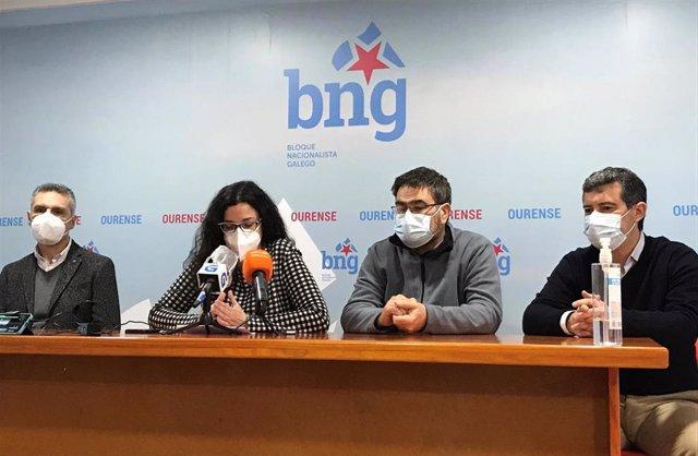 Los diputados Iago Tabarés y Noa Presas, el concejal Luis Seara y el diputado provincial Bernardo Varela en rueda de prensa