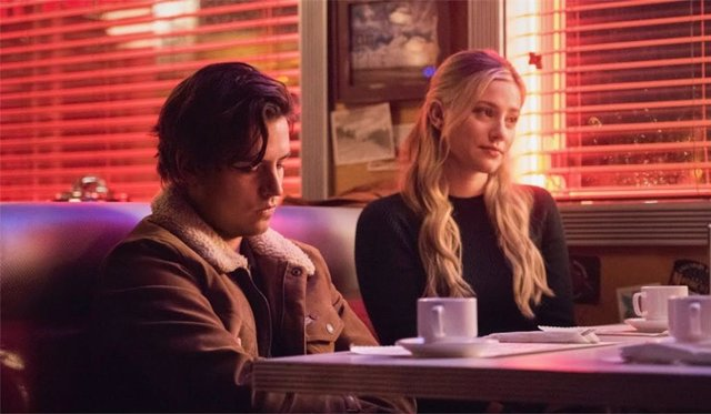 """El salto temporal de Riverdale divide a los fans: """"Ni siquiera reconozco la serie, no sé si la amo o la odio"""""""