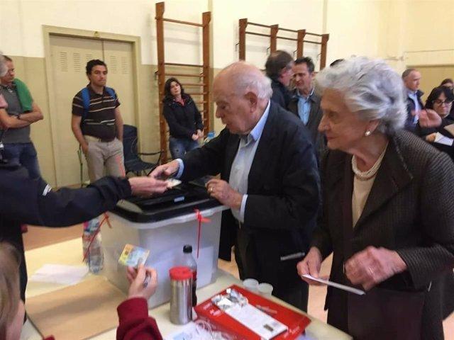 L'expresident de la Generalitat Jordi Pujol i Marta Ferrusola voten en el referèndum de el 1-O