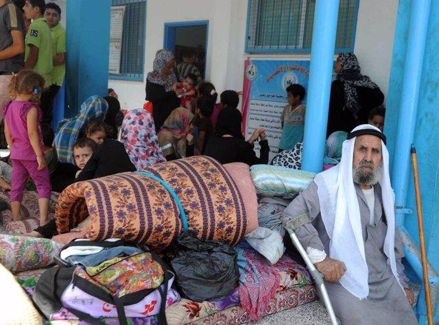 Unos 17.000 palestinos han huido de sus casas y se han refugiado en instalaciones de la Agencia de Naciones Unidas para los Refugiados Palestinos en Oriente Próximo (UNRWA) ante la amenaza de una escalada de la ofensiva militar israelí sobre la Franja de