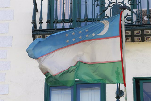 Banderas, bandera de Uzbekistán