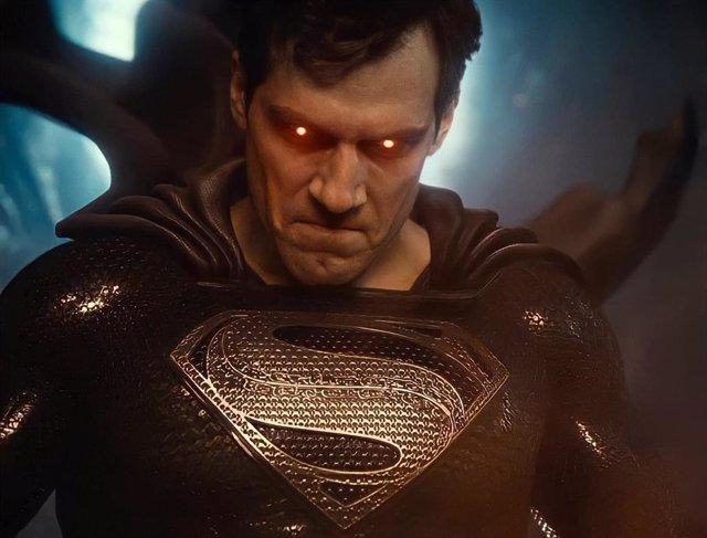 Henry Cavill es Superman en Liga de la Justicia de Zack Snyder