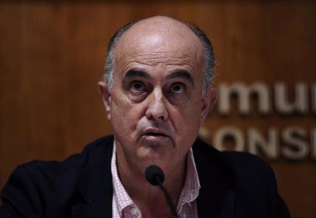 El viceconsejero de Salud Pública y Plan COVID-19 de la Comunidad de Madrid, Antonio Zapatero, interviene durante una rueda de prensa convocada ante los medios, en Madrid, (España), a 5 de febrero de 2021. Durante la comparecencia informarán de nuevas med