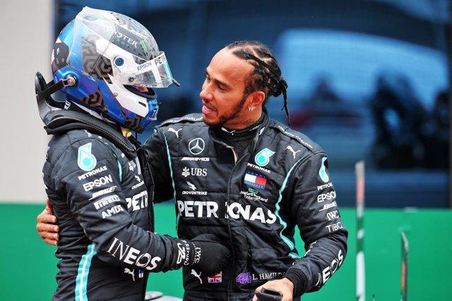 Hamilton y Bottas, pilotos de Mercedes