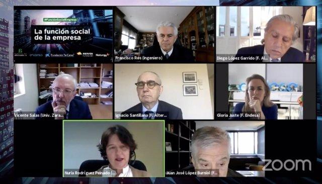 Expertos participantes en el debate online 'La función social de la empresa', organizado por Fundación Alternativas