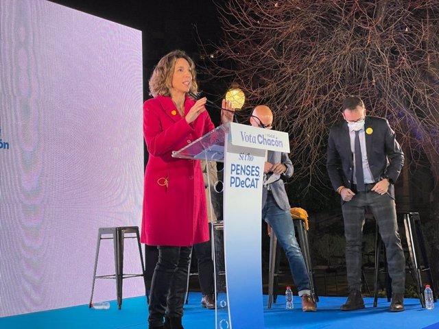 La candidata del PDeCAT a les eleccions catalanes, Àngels Chacón, en l'acte final de campanya en el Recinte Modernista de Sant Pau de Barcelona.