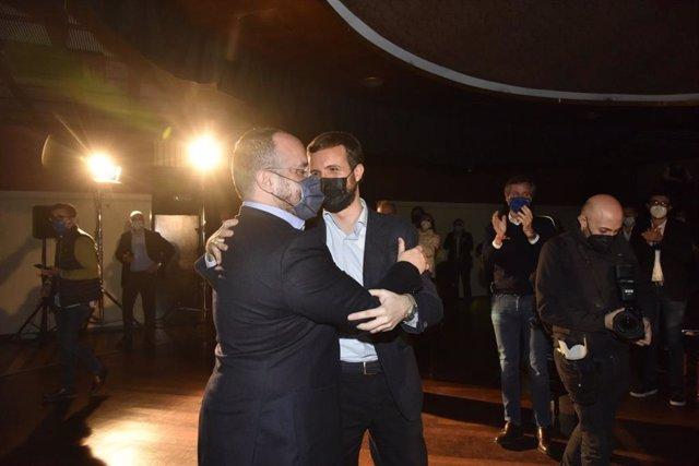 (I-D) El Candidat Del PP A les Eleccions Del 14F, Alejandro Fernández, I El President Del Partit, Pablo Casado, En L'Acte De Tancament De Campanya A Barcelona