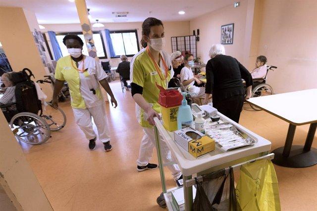 Centro de vacunación contra la COVID-19 en el sur de Frrancia.