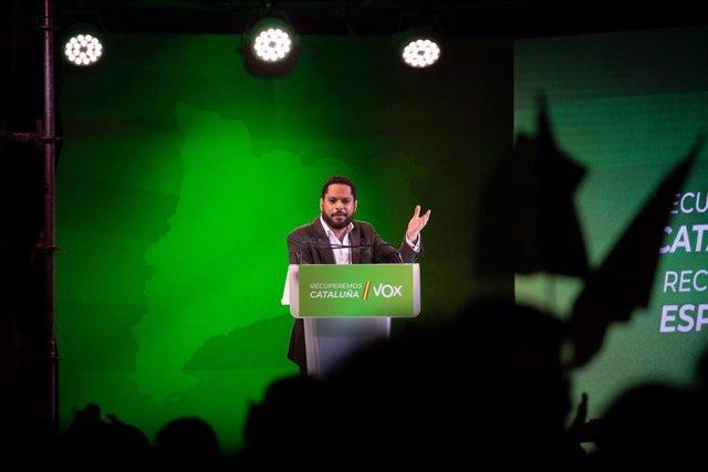 El candidat de Vox pel 14F, Ignacio Garriga, en l'acte final de campanya a Barcelona el 12 de febrer de 2021.