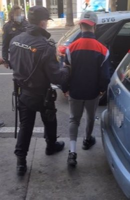 Detención por agresión a un menor