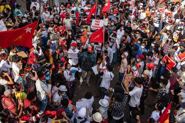 Protestes a Birmània contra la junta militar