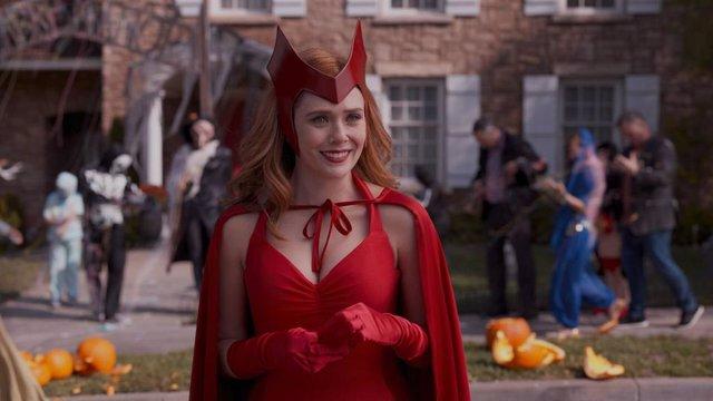 Elizabeth Olsen es Wanda Maximoff en Bruja Escarlata y Visión