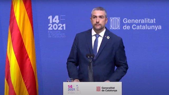 El conseller de Acción Exterior, Relaciones Institucionales y Transparencia, Bernat Solé, en una rueda de prensa sobre las elecciones catalanas del 14F.