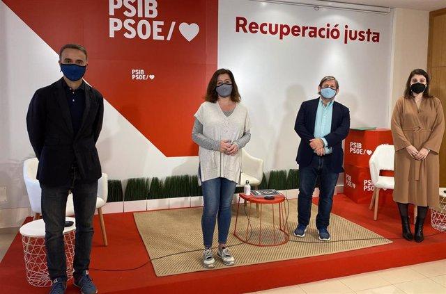 La secretaria general del PSIB, Francina Armengol; el iputado socialista en el Congreso por Baleares, Pere Joan Pons; el presidente del Parlament balear, Vicenç Thomàs, y la eurodiputada Alicia Homs.