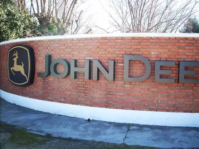 Trabajadores de la empresa John Deere de Getafe cumplen 4 días de huelga para exigir la readmisión de 11 despedidos