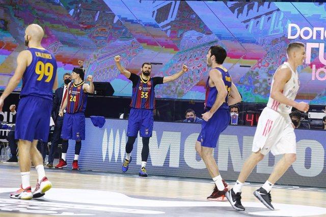 Mirotic celebra la victòria del Barça